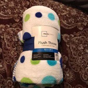 Cute polka dot blanket!